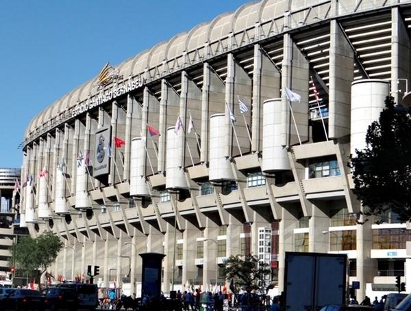 estádios na europa onde jogam craques brasileiros