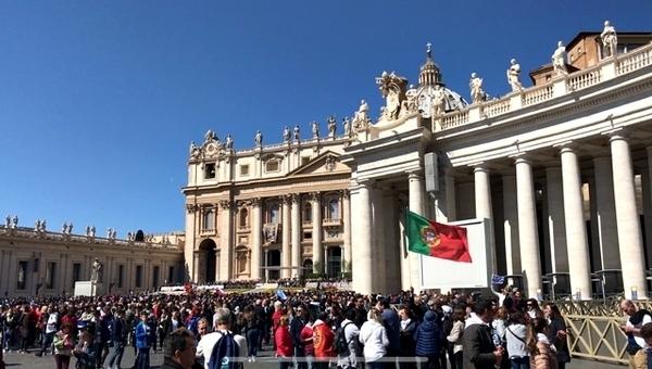 como participar da audiência papal