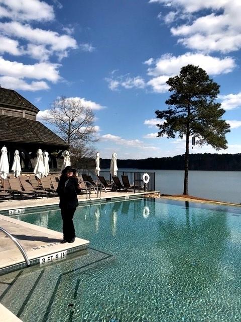 resort à beira do lago na Georgia