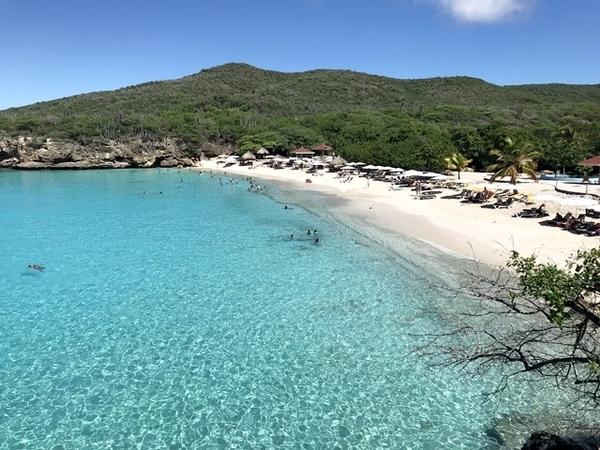praias em curaçao