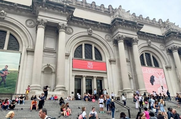 Últimos dias de Camp - exposição sobre o tema do Met Gala, em NYC