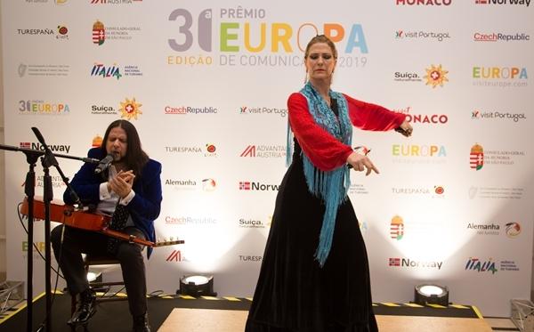 Renata Araújo apresentadora prêmio de Comunicação da Comissão Européia de Turismo