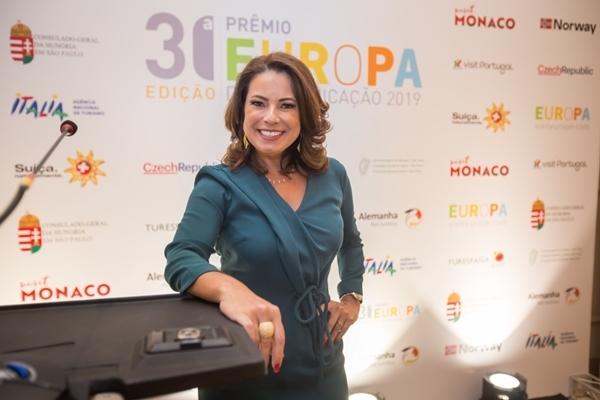 Renata Araújo apresentadora
