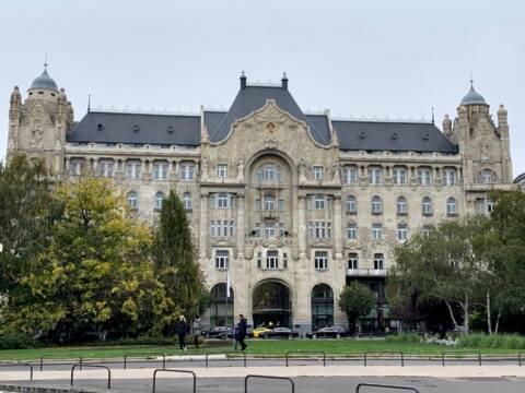 Four Seasons Gresham Palace: o melhor hotel de Budapeste