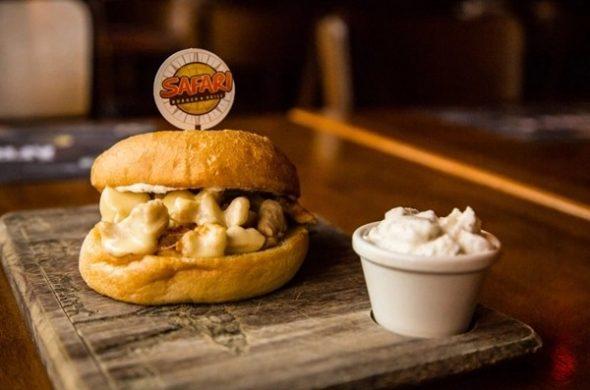 Safari Burger & Grill - Av. General San Martin 509.