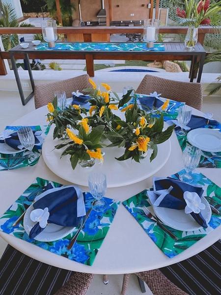 dicas de como montar uma mesa de jantar bonita 3