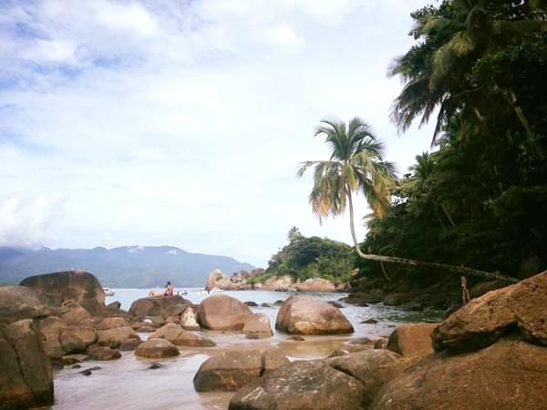 praias em ilha grande