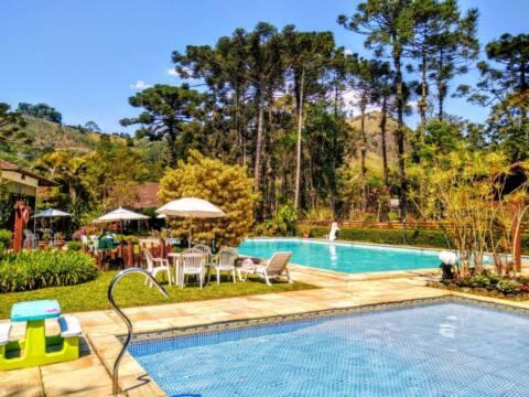 Hotel charmoso em Visconde de Mauá tem três piscinas