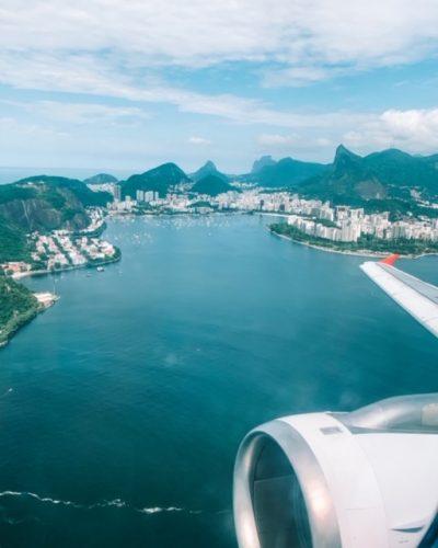 Vista do avião na chegada no Rio