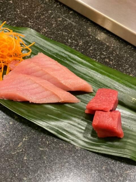 Sushi na folha