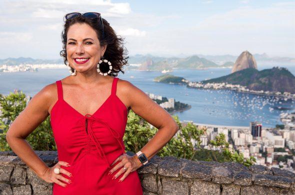 Renata Araújo lança livro