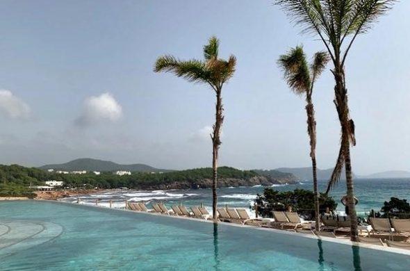 10 piscinas deslumbrantes de hotéis no Brasil e no mundo