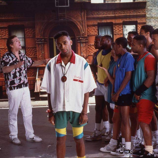"""O diretor no set de """"Faça a Coisa Certa"""", de 1989, grande sucesso"""