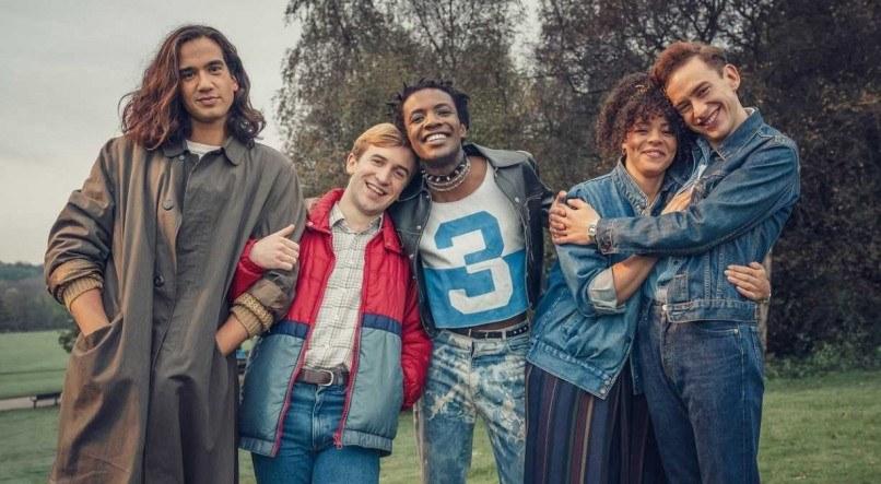 """""""It's a Sin"""": a prova de que os amigos são a família que a gente escolhe"""